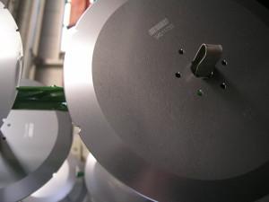 Messer elektrolytisch entgratet Edelstahl elektropolieren Galvanik Lohnbearbeiter Lohnbearbeitung