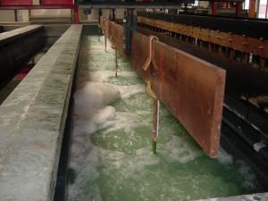 Elektropolier Anlage elektrolytisch polieren entgraten Galvanik Lohnbearbeiter Lohnbearbeitung Trommelteile Trommelware Gestellteile Gestellware